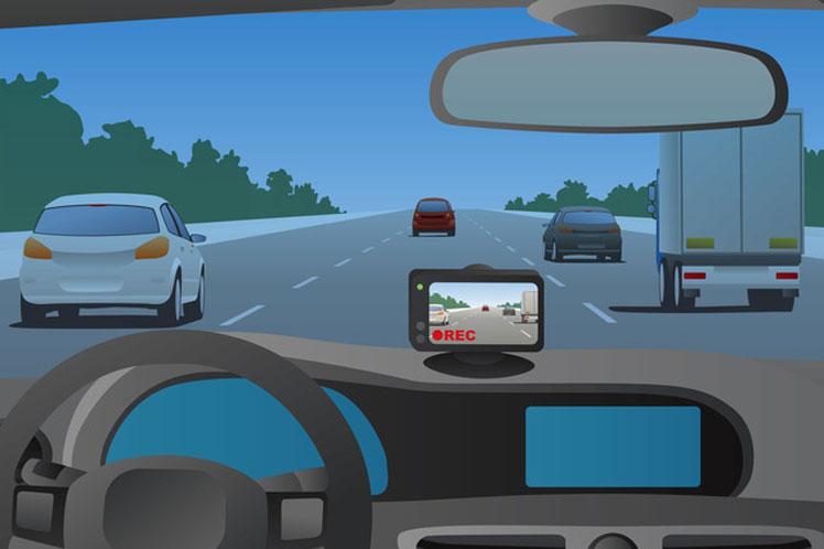 安全運転のためにできること【ドライブレコーダー】