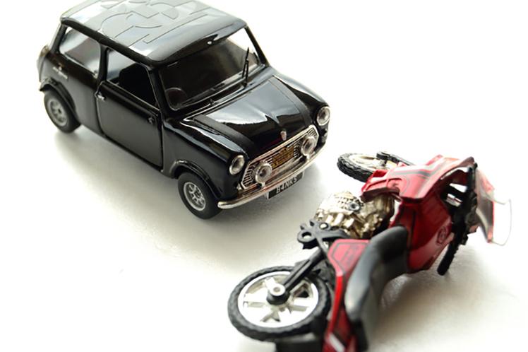 便利なファミリーバイク特約とバイクの損害補償に特化したバイク保険