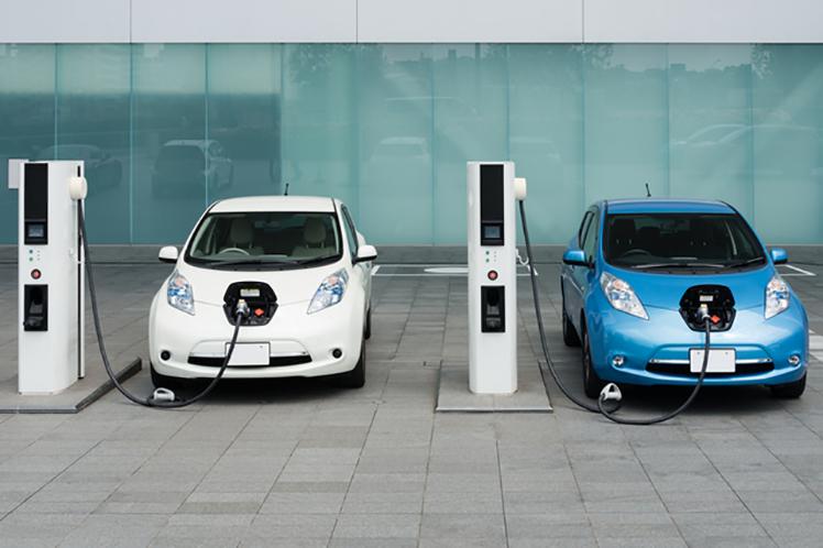 電気自動車の「静音性と危険性」
