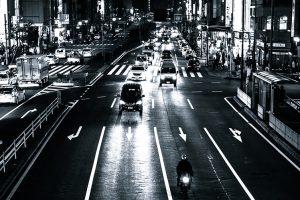 忘れがちな交通規則、減光等義務違反の点数と罰金