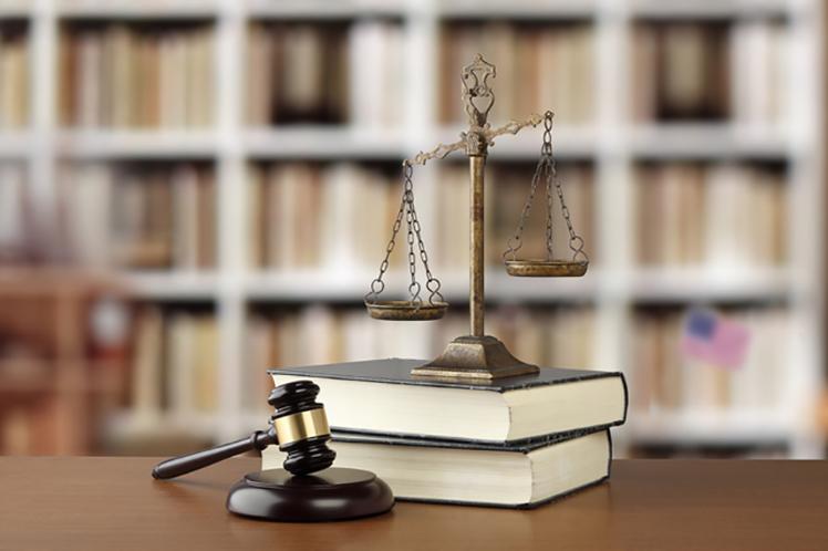 交通事故の加害者が負う法的責任〜民事責任と行政上責任